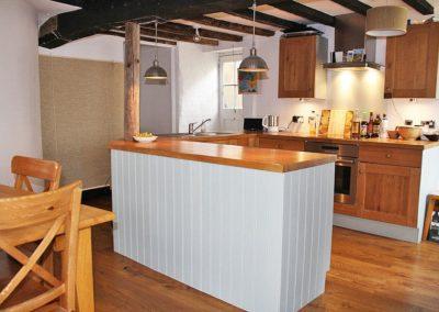 Courtyard Cottage, Topsham - Kitchen