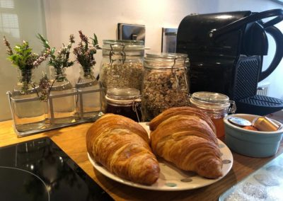 Courtyard Cottage - Breakfast