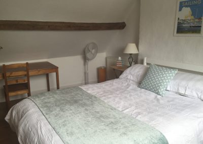 Courtyard Cottage, Topsham - Bedroom